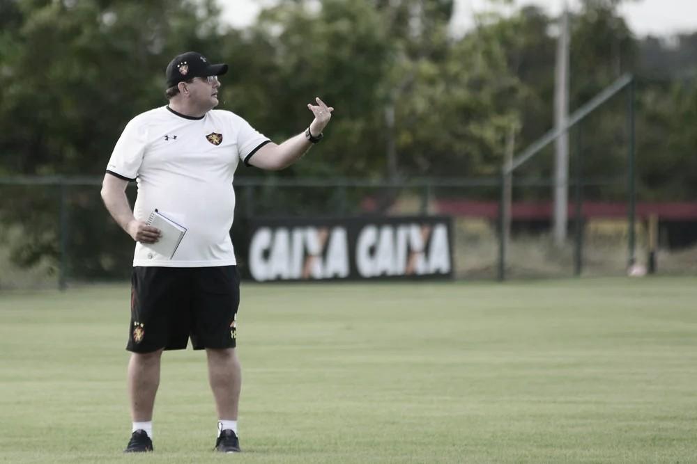 Guto se queixa da arbitragem, mas elogia entrega do Sport diante do Operário-PR