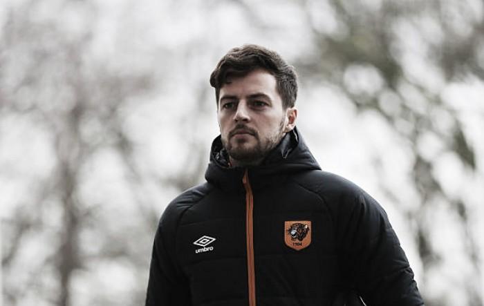 Ex-Tottenham e Hull City, meia Ryan Mason é forçado a se aposentar após fraturar crânio