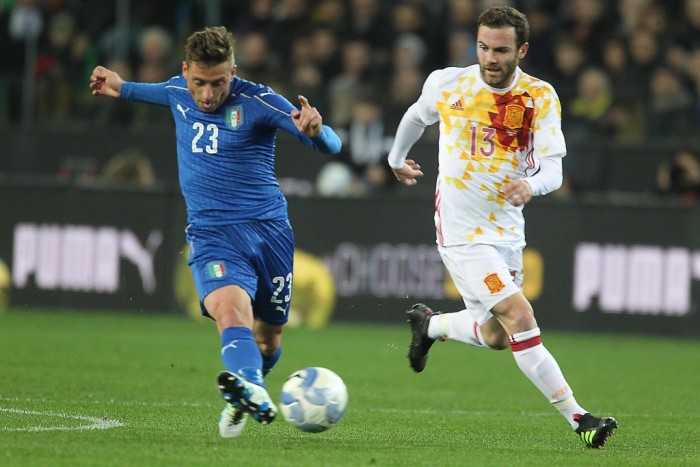 Giaccherini ko lascia il ritiro dell'Italia. Conte chiama De Sciglio