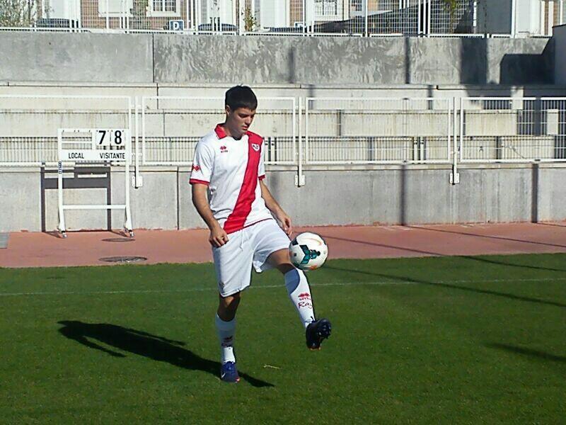 Leonel Galeano en su presentación como jugador del Rayo. | Foto: Toni López, VAVEL.com