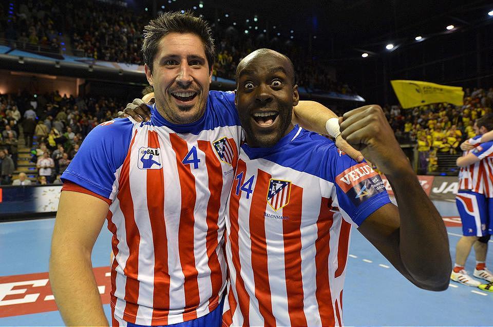 Edu Fernández y David Davis celebran la clasificación.