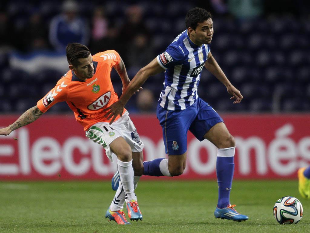 A equipa de José Couceiro teve sérios problemas em lidar com o Futebol Clube do Porto. (foto: REUTERS)
