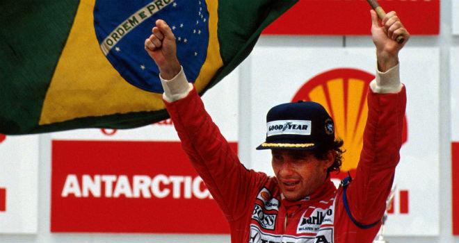 Ayrton Senna celebra su primera victoria en Brasil | Foto: 365d.com