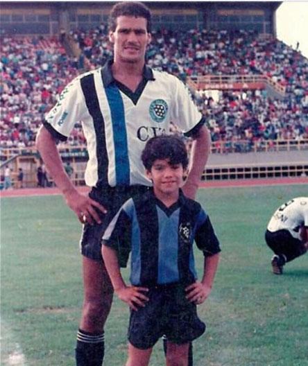 Falcao junto a su padre, Radamel García.