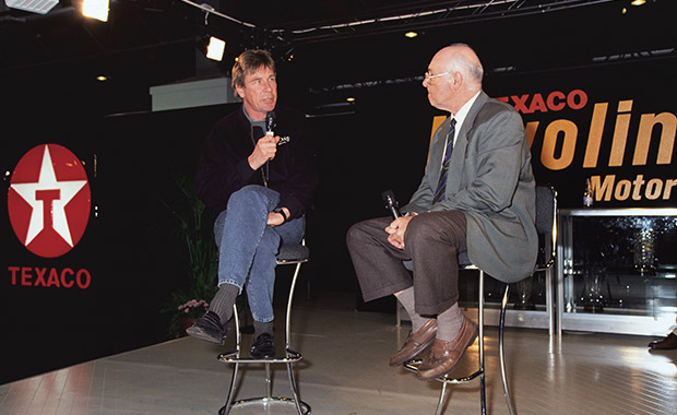 Hunt e Walker fizeram dupla na BBC sendo ainda hoje uma as mais relembradas. (imagem:motorsportmagazine)