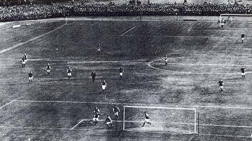 Liverpool playing in the 1914 FA Cup final - their first ever.