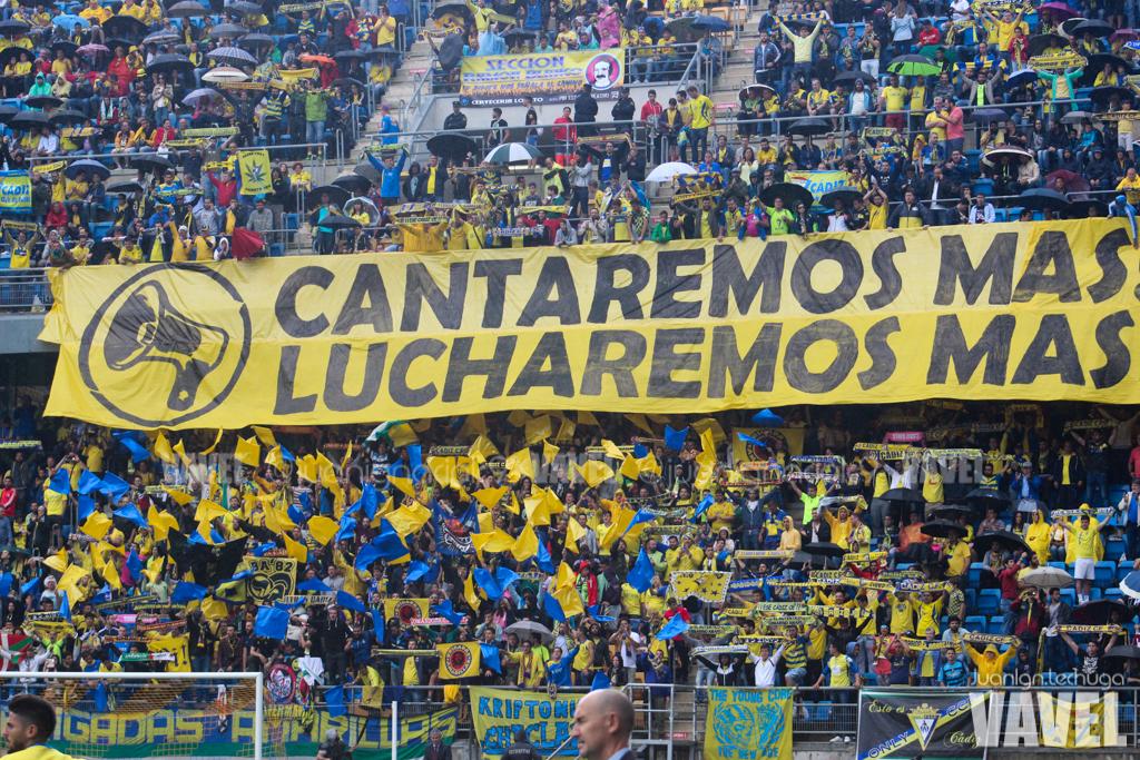 Afición del Cádiz en el partido ante el Hércules