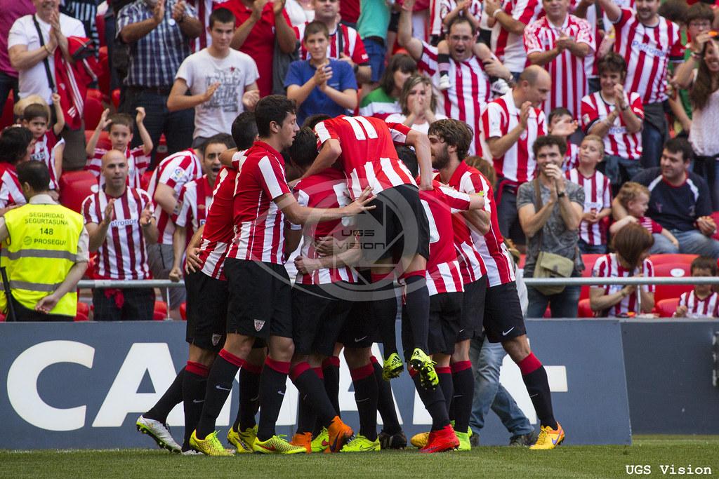 Celebración del gol de Gorka Santamaría