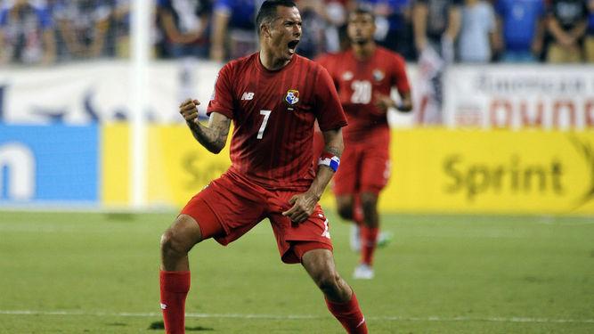 Blas celebrando un gol de su selección