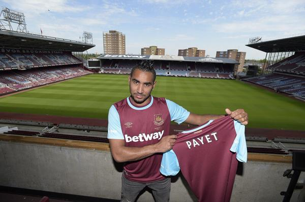 Payet poses with his new kit