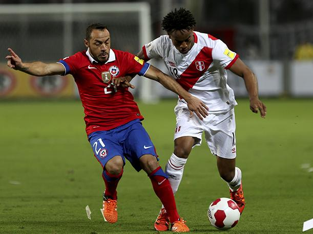 André Carrillo solo pudo jugar 35' en el partido con Chile. (Foto Getty Images)