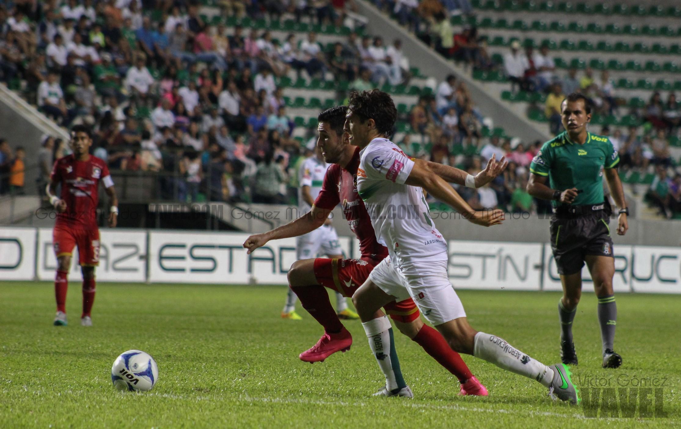 (Hernández ante la marca de España)