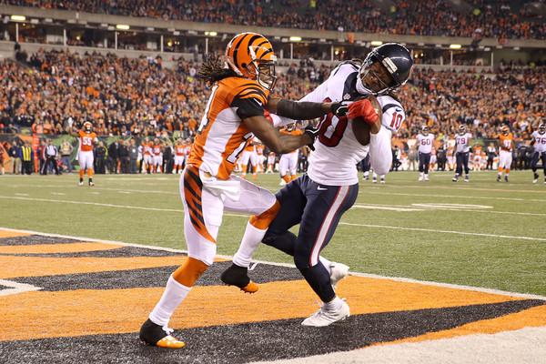 DeAndre Hopkins makes a touchdown catch against the Cincinnati Bengals