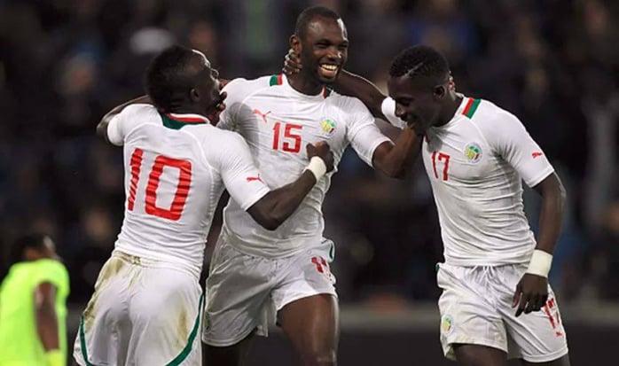 Senegal players celebrate one of their three goals (photo: yahoo)