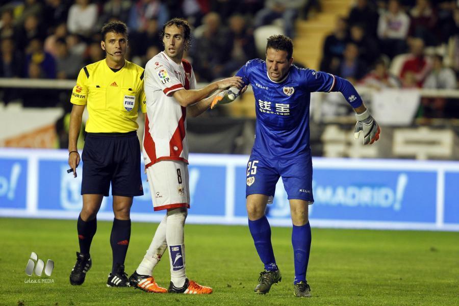 Toño se lesiona ante el Granada. Foto: LFP.com