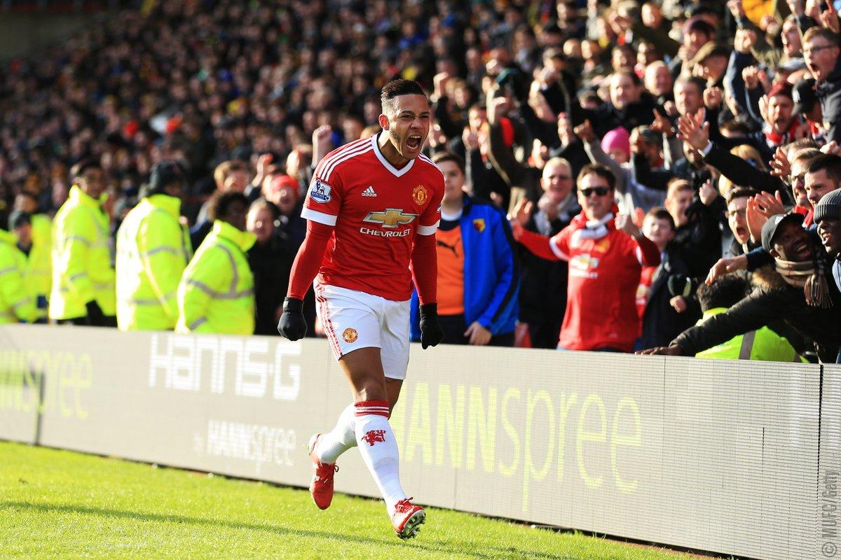 Memphis Depay celebrates for Manchester United