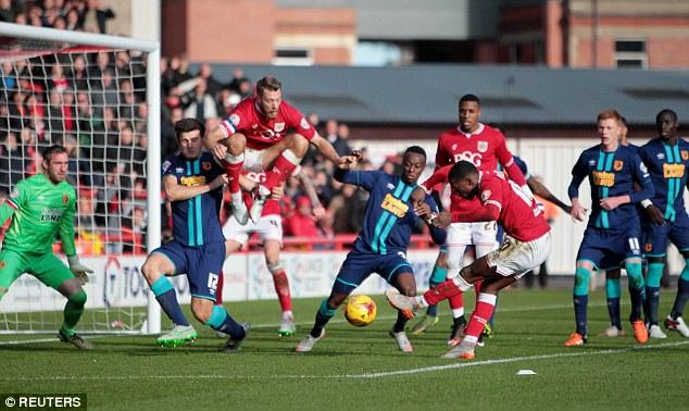 Agard abrió el marcador para el Bristol City