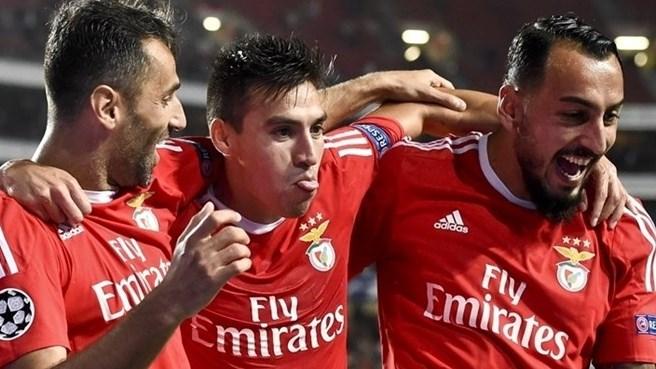 Los jugadores del Benfica celebran uno de los goles ante el Astana