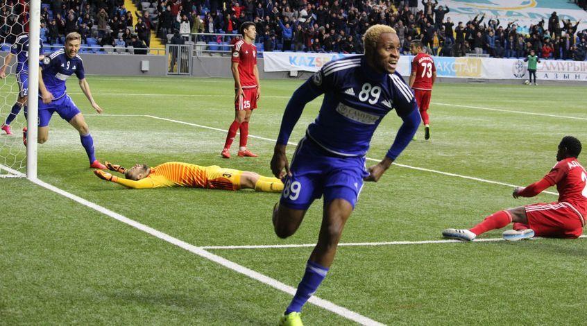 Kabananga celebra el gol que le dio el título de liga a los suyos