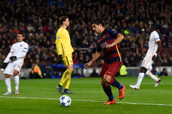 Suarez enjoyed a positive night (photo: reuters)