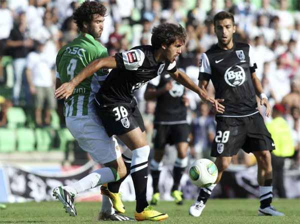 V.Guimarães venceu ambos os jogos com o Rio Ave (foto: lusogolo.pt)
