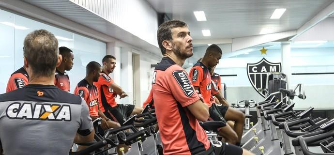 Leandro Donizete está próximo de renovar contrato com Atlético-MG (Foto: Bruno Cantini/Atlético)