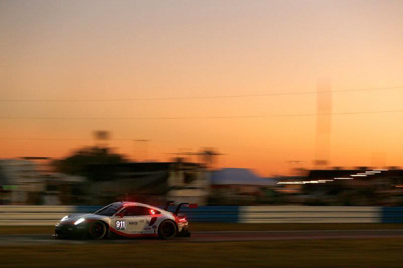 Porsche vence na classe GTLM. (Foto: Divulgação)