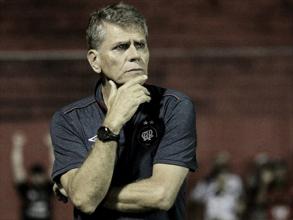 """Paulo Autuori desabafa após classificação do Atlético-PR: """"Só nós acreditávamos"""""""