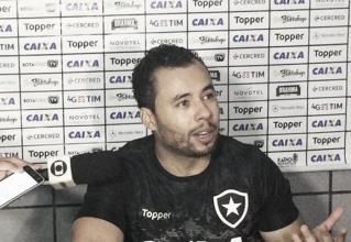 """Jair celebra classificação do Botafogo, mas prega cautela: """"Muitas coisas para corrigir"""""""
