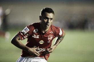 Vila Nova triunfa fora sobre Figueirense, sobe à vice-liderança e afunda adversário na tabela