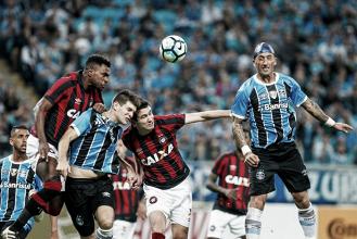 Atlético-PR enfrenta Grêmio por sonho de reverter larga vantagem gaúcha na Copa do Brasil