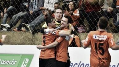 Carlos Barbosa bate Corinthians e garante final gaúcha na Taça Brasil de Futsal
