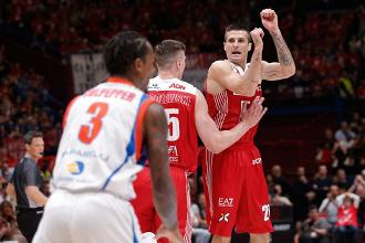 Legabasket: Milano-Cantù 105-73, lezione dell'Olimpia in gara 1 alla Red October