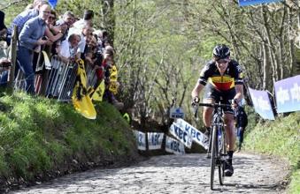 Giro delle Fiandre - Leggendario Gilbert: trionfo dopo 55 Km in solitaria!