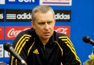 لوكوموتيف موسكو الروسي يقيل مدربه كوتشوك