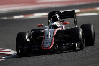 McLaren explica estranho acidente de Alonso
