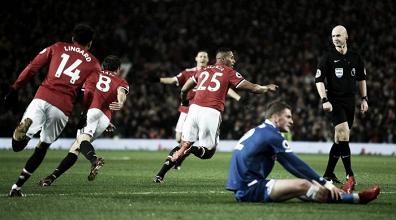 Premier League - Man United, ordinaria amministrazione. Lo Stoke cade per 3-0 ad Old Trafford
