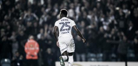Ronaldo Vieira renueva con el Leeds United por cuatro temporadas