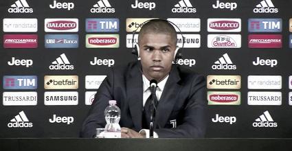 """Juventus, la presentazione di Douglas Costa: """"La Juve è una squadra molto grande"""""""