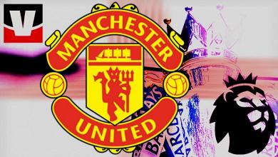 Lo stemma del Manchester United in primo piano in questo fotomontaggio. | VAVEL
