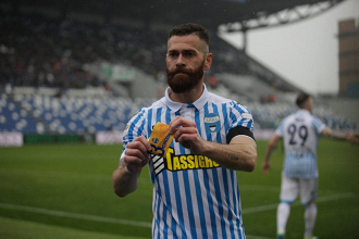 Mirko Antenucci ha dedicato al deceduto Davide Astori il suo gol di oggi.   SPAL, Twitter.