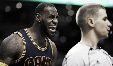 Los Cleveland Cavaliers liderados por James destrozan a los Boston Celtics
