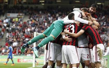 I festeggiamenti rossoneri dopo il quinto gol di oggi. | AC Milan, Twitter.