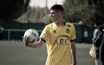 El Deportivo Alavés incorpora al joven central Adrián Diéguez
