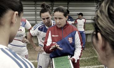 Inter reforça time feminino com treinadora e camisa 10 do Grêmio
