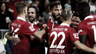 Hannover vence Hamburgo e assume provisoriamente liderança da Bundesliga