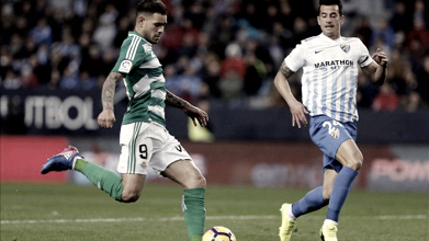 Previa Málaga CF - Real Betis: derbi de urgencias en La Rosaleda