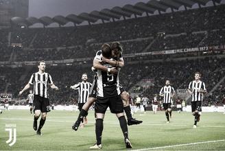 Higuain esulta con Dybala per il suo secondo gol di ieri. | Juventus.com