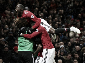 Esultanza da vittoria sofferta per Young, Pogba e Lukaku.   Manchester United, Twitter.