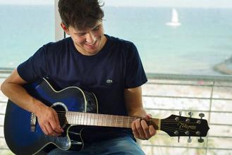 Chico Malo y su sonido mediterráneo, la nueva promesa de la música nacional